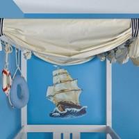 Морская тема – это постоянный источник для вдохновения дизайнеров и производителей мебели. Непременно находятся оригинальные сочетания, которые становятся трендом сезона. Возможности для оформления детской комнаты в морском стиле не имеют...