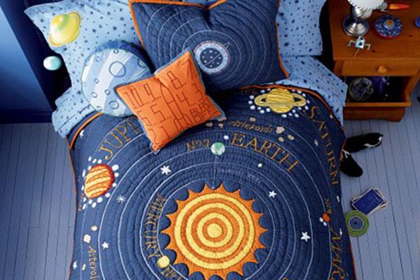 космическая подушка для детской комнаты