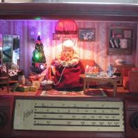Недавно на ярмарке мастеров увидела удивительные кукольные домики Елены Морозовой. Эти домики просто потрясающие, их хочетсярассматриватьирассматривать.В домиках все как настоящее, только миниатюрное, точно передана атмосфера времени СССР, стиль выдержан во...