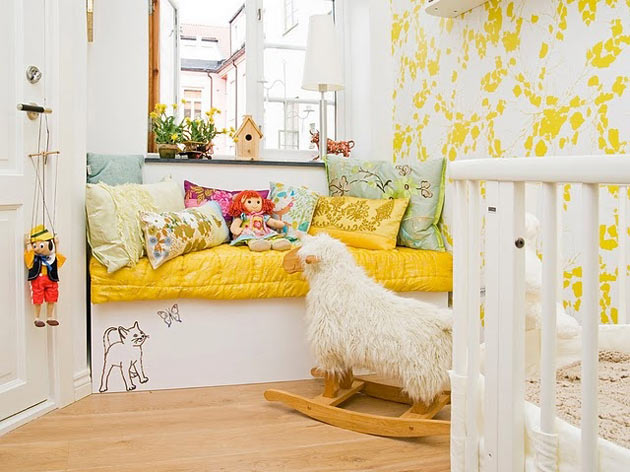 Детская комната в желтом цвете