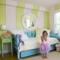 Детская комната в полоску – интерьер, который будет «расти» вместе с ребенком. Это практически классический вариант декора интерьера, который никогда не выйдет из моды и не перестанет быть стильным. Полоска...