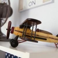 Самолеты в детской комнате мальчика – довольно популярная дизайнерская тема для оформления детских интерьеров. Однако нужного эстетического эффекта достигнуть не просто – одного лишь самолетика на прикроватной тумбочке будет недостаточно,...