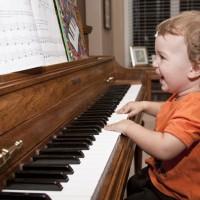 Музыкальная тема в оформлении детской комнаты в последние годы становится очень популярной в среде дизайнеров-профессионалов и энтузиастов. Это – вполне закономерное явление, ведь так или иначе музыкальная атрибутика присутствует в...