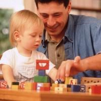 Особого внимания при организации детской комнаты требует развивающая среда для ребенка 2-х лет. Так как это уже не малыш, который не может прожить пару минут без присмотра, но еще и...