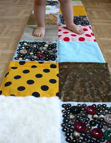Из чего сделать массажный коврик для ног своими руками