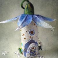 Увидев эти волшебные домики из фетра в первый раз, в них невозможно не влюбиться. Так и я была очарована их сказочным и детским обаянием. Оказалось, что автор этих оригинальных вещей...