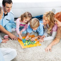 Скоро новый год и нам хочется порадовать своих детей необычными подарками, увлекательными играми, волшебными сюрпризами. Дайте сегодня обратим внимание на развивающие настольные игры для детей как на самый подходящий вариант...