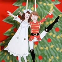 Одно из традиционных новогодних развлечений – разыгрывание представлений в кругу семьи и друзей былонезаслужено забыто. Мы предлагаем вспомнить его и сделать к праздникам кукольный театр из бумаги. Главное – выбрать...