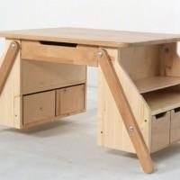 """Представляем вам замечательный растущий стол для творчества отнебольшой семейной мебельной мастерской """"Сказочное дерево"""" из Волгодонска. Эта мастерская изготавливает детскую мебель из натуральных материалов – массива дерева и фанеры, покрывает нетоксичными..."""