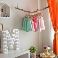 Детская для маленькой Миранды – яркий пример детской комнаты на вырост. Здесь предусмотрено буквально все – пространство для малышки и зоны, которые в скором будущем будут активно использоваться для игр...