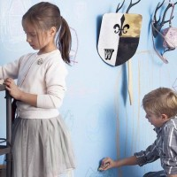 Краски специального назначения – огромное подспорье в функциональной отделке детской комнаты. В особенности, если ребенок занимается творчеством и ходит в школу, – он нуждается в правильно оформленной рабочей зоне с...