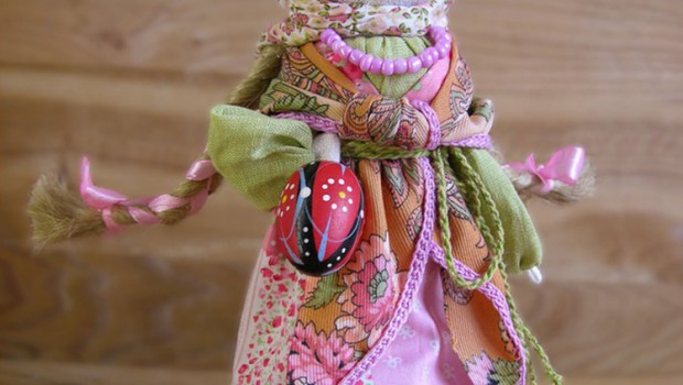 Пасхальная тряпичная кукла мастера Ольги Мироновой